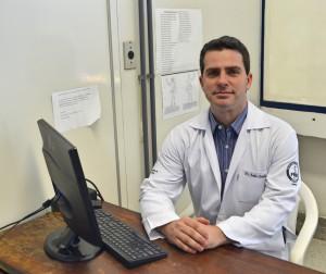 Dr. João Zalla coordena a realização do mutirão no HCFMB Divulgação HCFMB