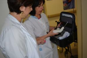 Dra. Lied e Dra. Eliana recebem o aparelho 4toques comunicação
