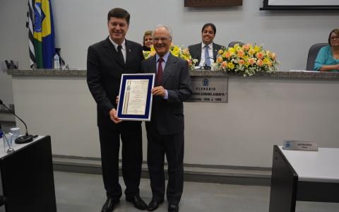 """Grupo Sempre Viva recebe diploma de """"Honra ao Mérito"""" na Câmara Municipal de Botucatu"""